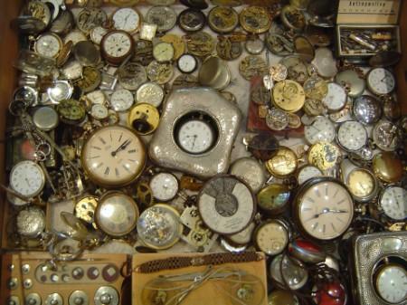 Uhrmacher  Uhrmacher - Inh. Adam & Eva Dolebski - Home